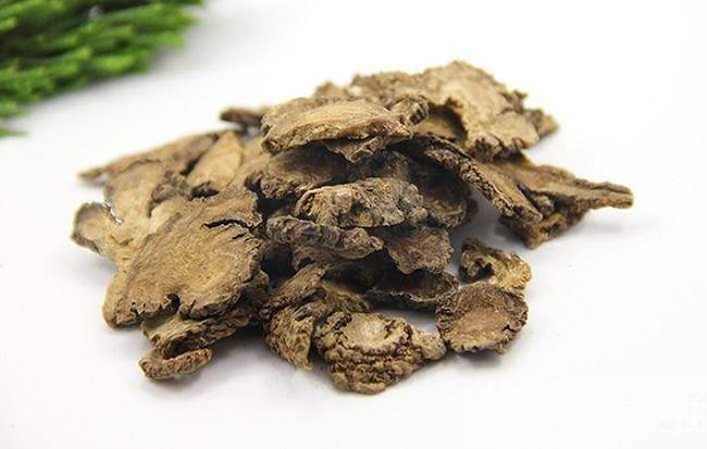 川穹嗪根茎的活性生物碱成分