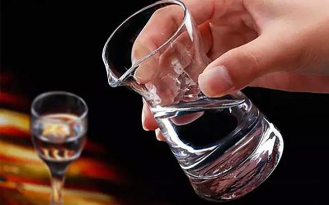 白酒产量到探索健康因子